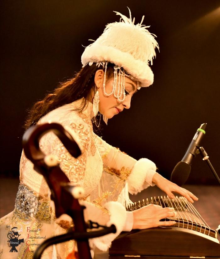 Shao Zhongqin Louise