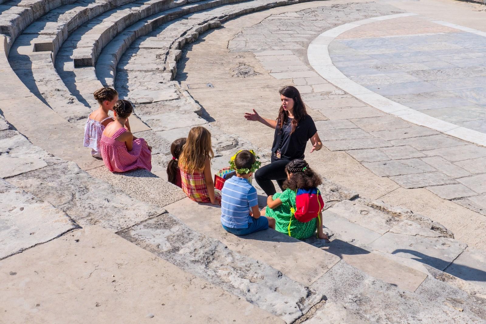 Découverte de trois monuments d'Arles pour les enfants de 6 à 12 ans accompagnés