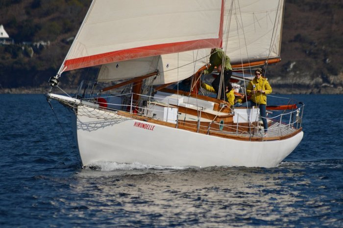 Les maux bleus sailing hirondelle