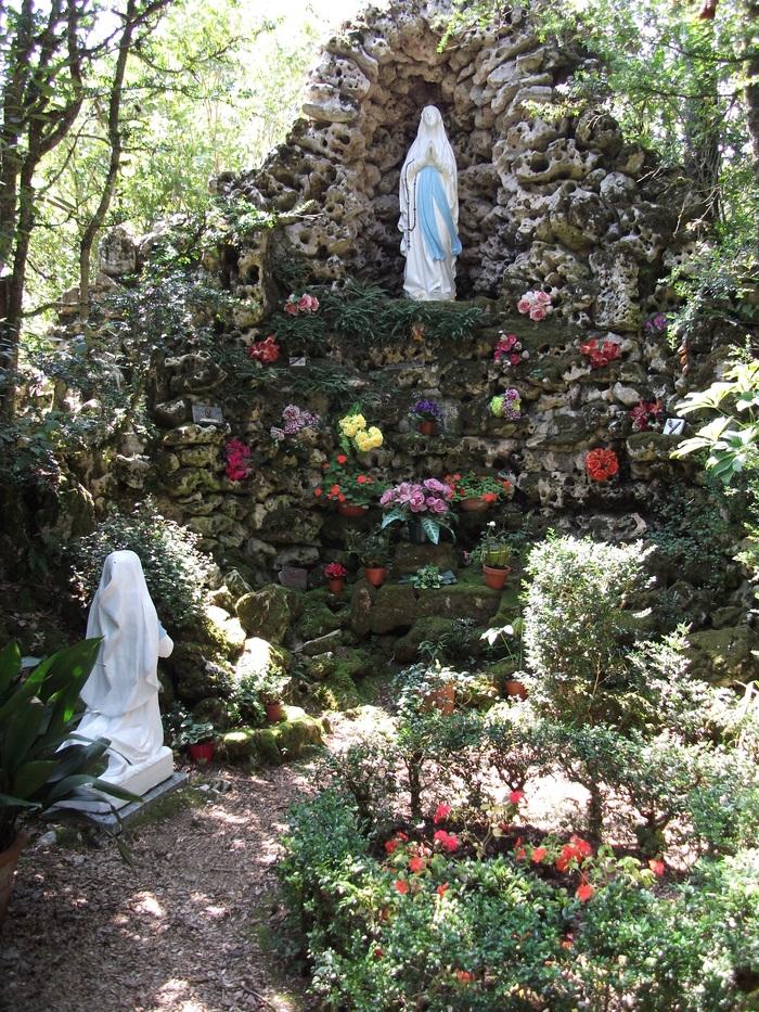 Journées du patrimoine 2019 - Visite guidée de l'église et de l'ancien cimetière, avec la grotte Notre-Dame de Lourdes
