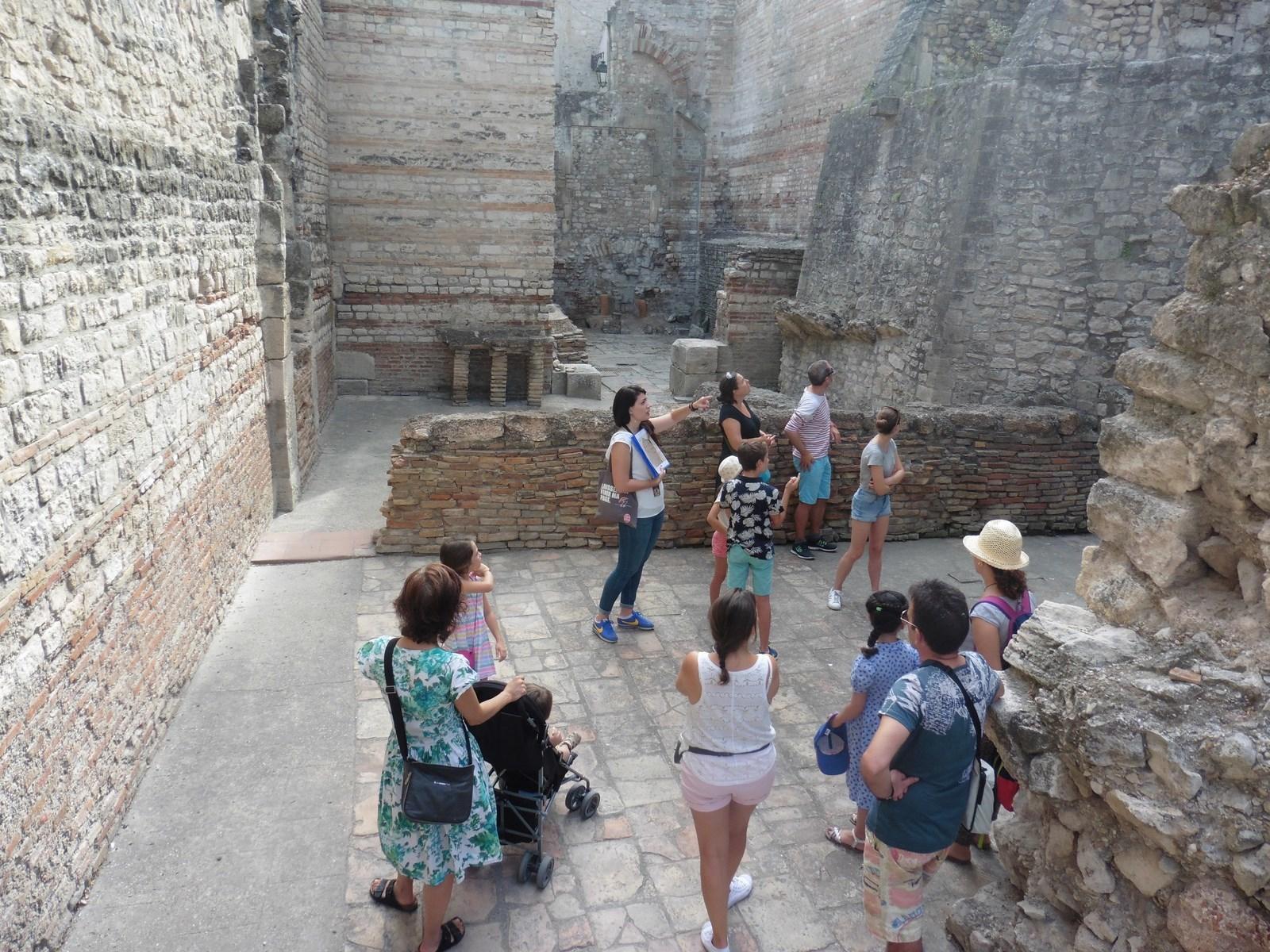 Tous les jours pendant les vacances de la Toussaint, laissez-vous conter les monuments d'Arles