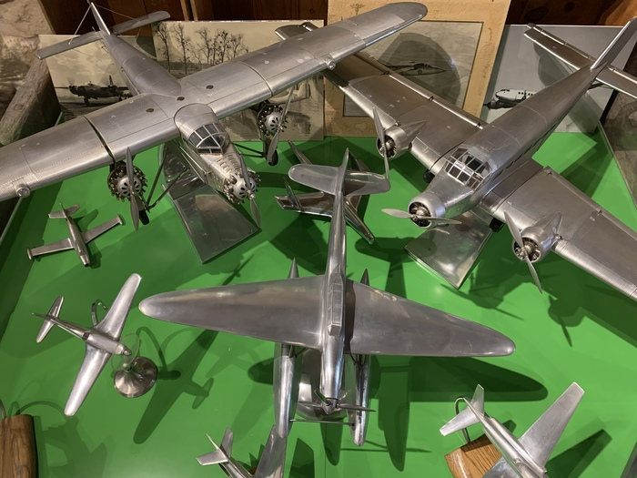 Exhibition(Exposure) on the history(story) of the aviation
