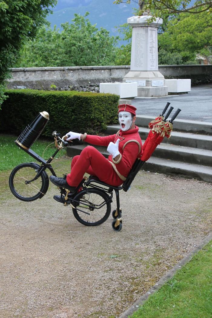 Journées du patrimoine 2020 - Déambulation avec la Cie Cirque Autour et les Globe-Trotters