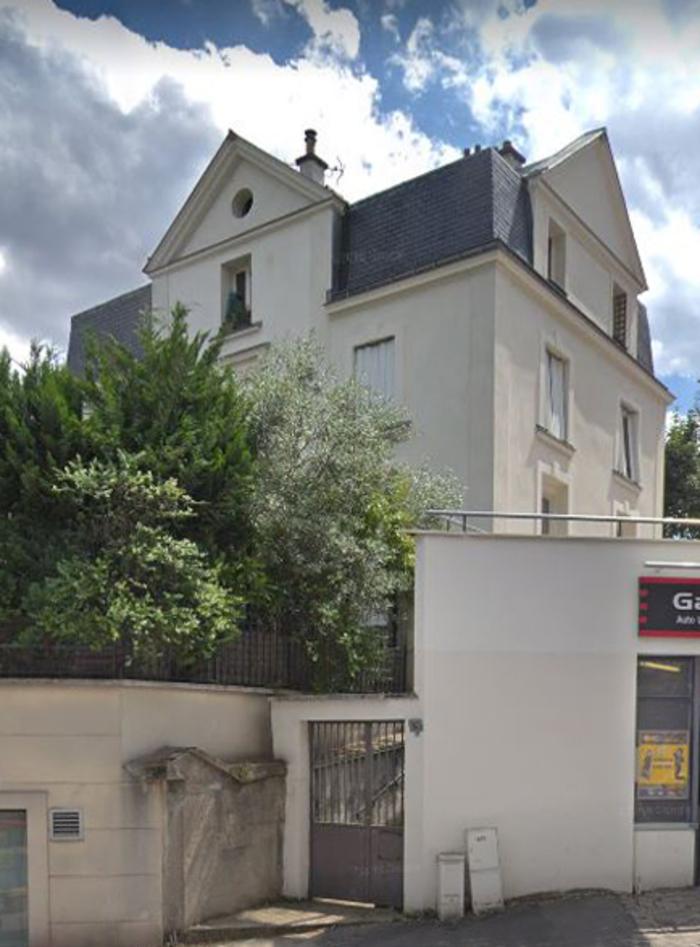 Journées du patrimoine 2019 - Pose d'une plaque sur la maison rue Auguste Gervais en présence d'une descendante de la famille Hugo.