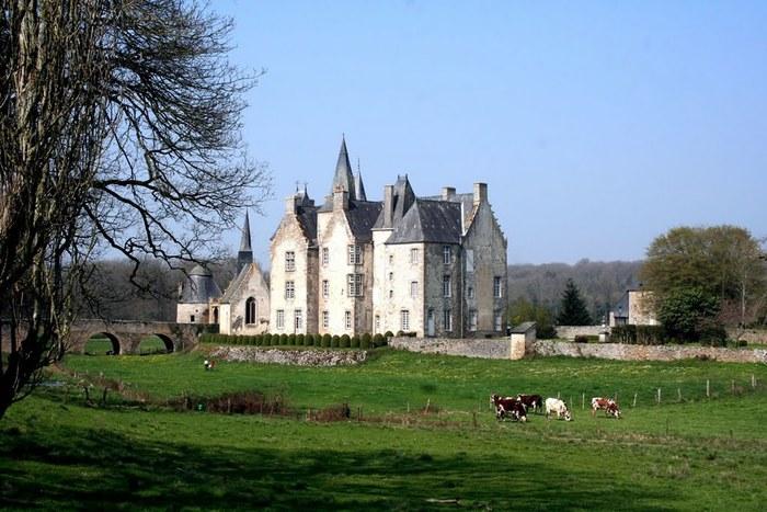 Journées du patrimoine 2020 - Visite guidée du château de Bourgon-Montourtier