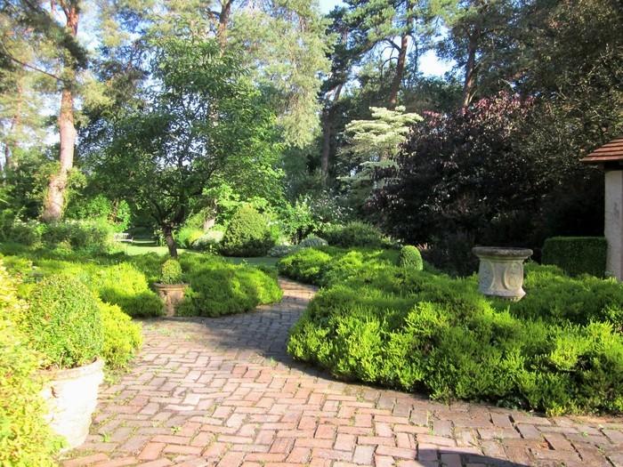 Les horaires de l'Arboretum s'allongent avec l'arrivée de l'été : tous les samedis de juin, profitez du parc de 10h à 19h30.