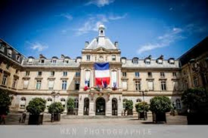 Journées du patrimoine 2020 - Exposition de la Société Historique et Archéologique du 15e arrondissement - Visite libre de la salle des Mariages et de la salle des Fêtes