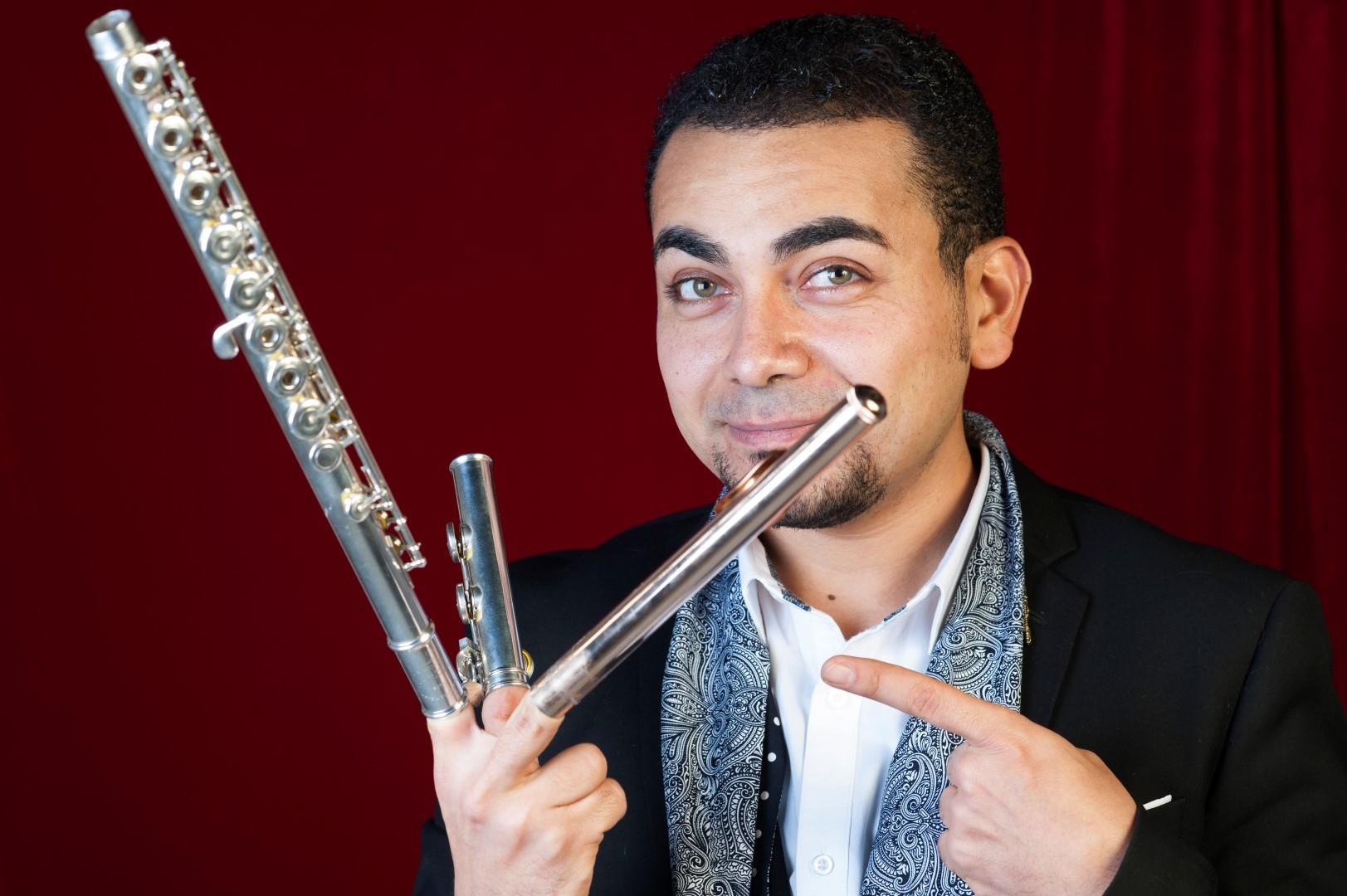 Dans le cadre des Rues en musique, le Duo Osiris, Mina Ghobrial à la flûte traversière et Anne-Sophie Pannetier à la harpe vont enchanter le Théâtre antique