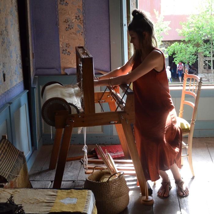 Journées du patrimoine 2019 - Démonstration de tissage d'un tissu de Valognes du XVIIIe