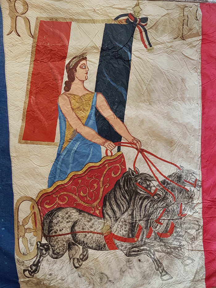 Journées du patrimoine 2019 - Exposition de drapeaux et du cadastre