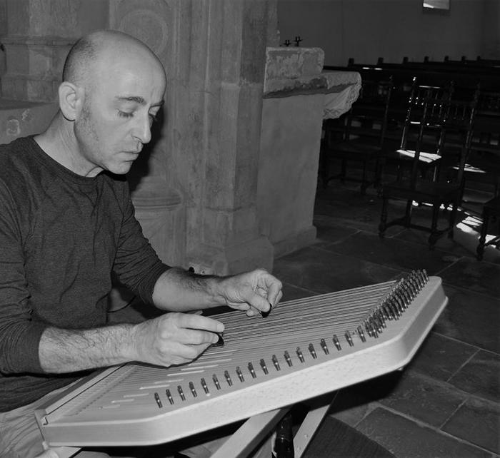Journées du patrimoine 2019 - Mini concert de cithare au prieuré de Froville (après chaque visite)