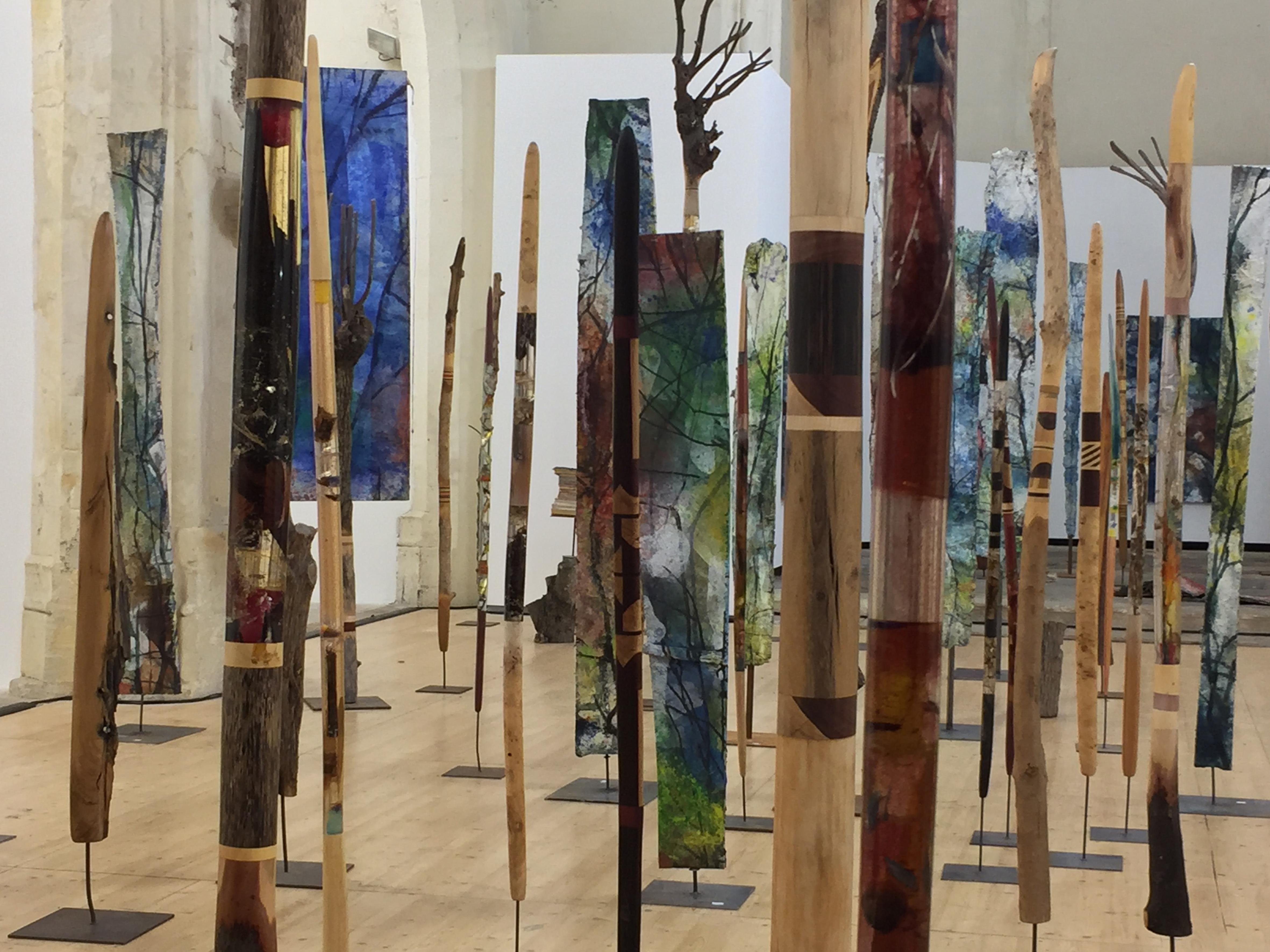 L'association Forest art project réunit des artistes et des scientifiques. M. Alsterlind, F. Hallé et V. Lajarige proposent une présentation d'oeuvres emprunte d'optimisme.