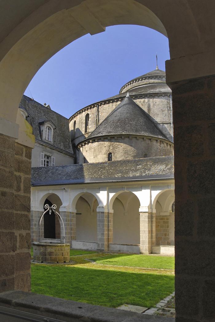 Journées du patrimoine 2020 - L'abbaye de Sainte-Croix et ses 900 ans d'histoire