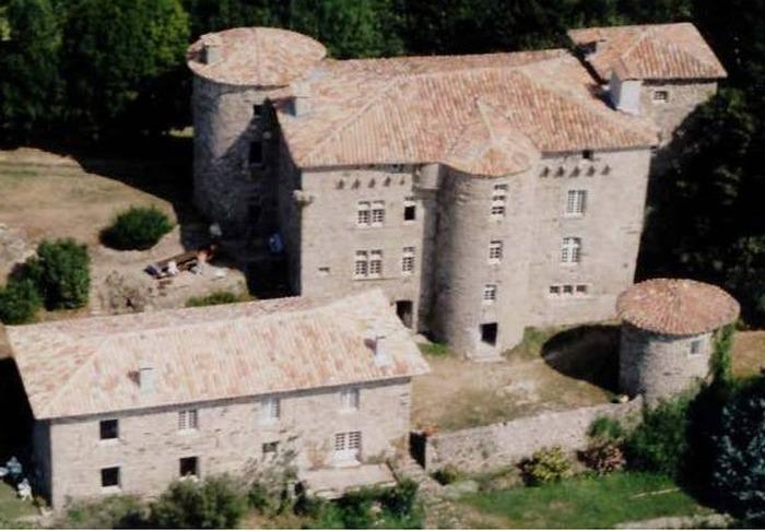 Journées du patrimoine 2020 - Visite libre des abords du Château du Bruget ou guidée à l'intérieur.