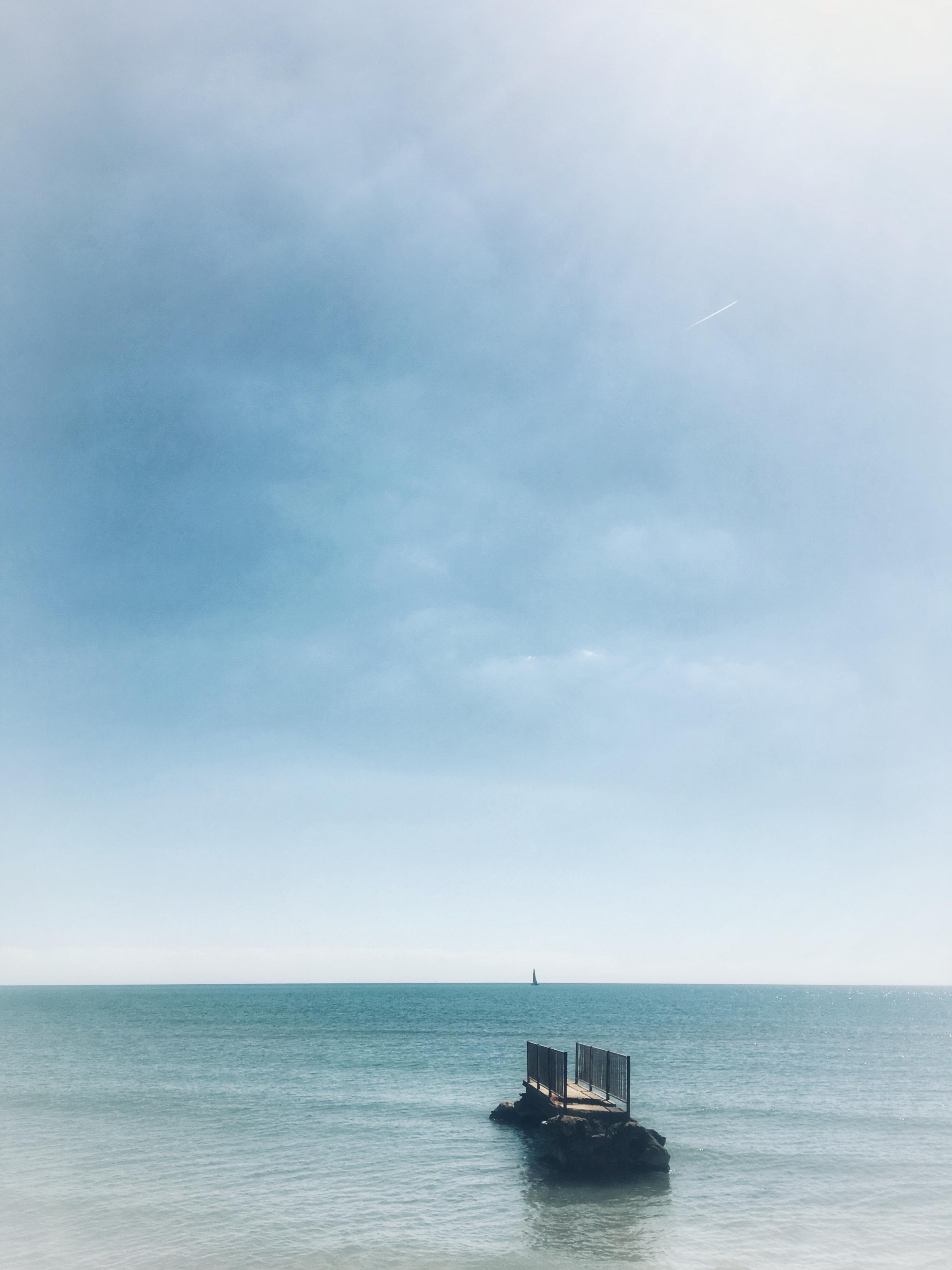 Exposition vente de photographies signées et numérotées à prix tout doux. Stop à la morosité nous voici en bord de mer sous un beau ciel bleu !