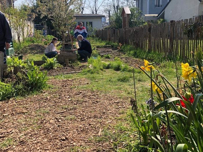 Découvrez le jardin partagé en compagnie des jardiniers