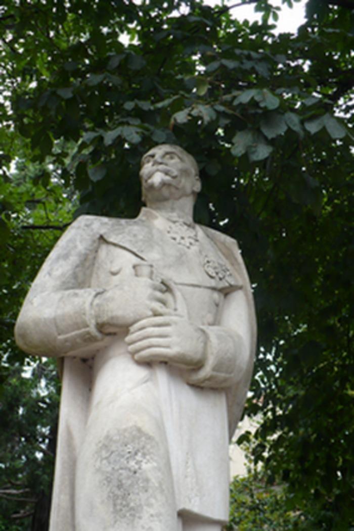 Rencontre avec les restaurateurs de la statue du Colonel Teyssier. 1821-2021 – Bicentenaire de la naissance du Colonel Teyssier à Albi
