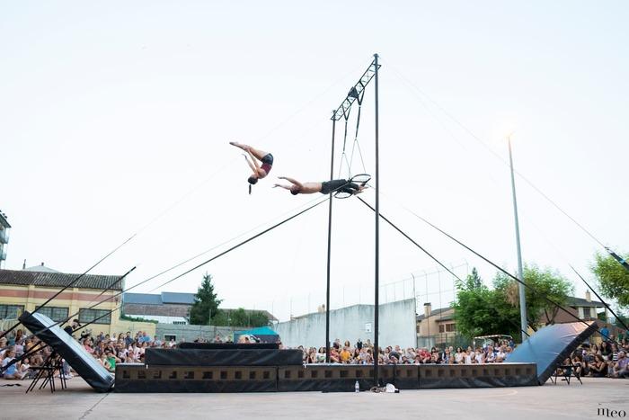 Journées du patrimoine 2020 - Un spectacle de cirque en duo et en plein air !