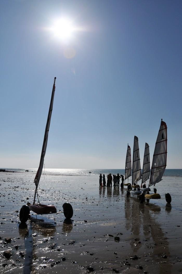 Le vent, source d'énergie, pour la pratique sportive ... Char à voile, cerf volant.