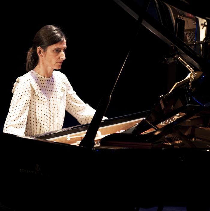 Dans le cadre de la série de concerts IN A LANDSCAPE, le GMEA - Centre National de Création Musicale d'Albi - Tarn invite la pianiste Pascale Berthelot.
