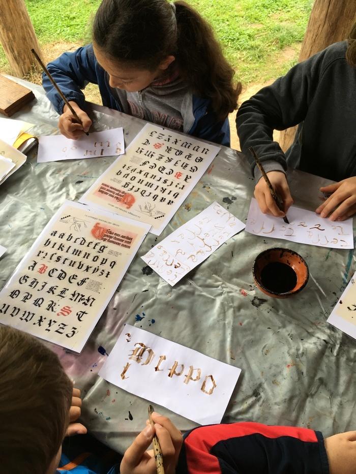 "Animation famille ""calligraphie "" au parc Asnapio."