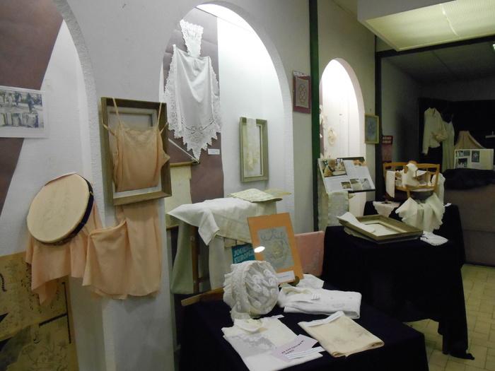 Journées du patrimoine 2019 - Exposition et démonstration sur la broderie plombinoise