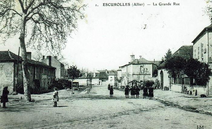 Journées du patrimoine 2020 - Promenade commentée dans les rues d'Escurolles (Allier)