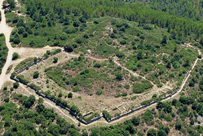 Journées du patrimoine 2020 - Visites guidées de l'oppidum du fort à Taradeau