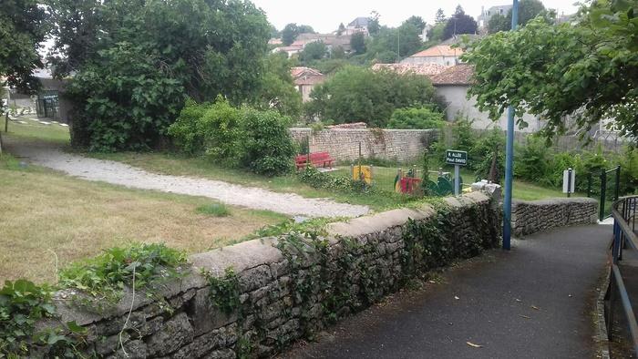 Journées du patrimoine 2019 - Visite guidée historique du bourg de Benet à travers ses peux
