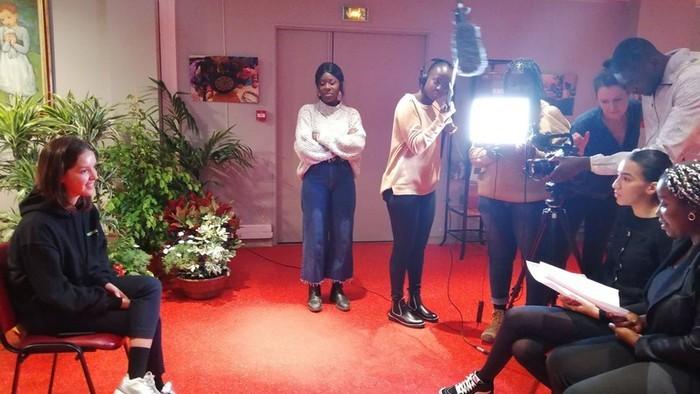 Initiation au métier de journaliste, à la prise de vue, la prise de son et l'interview.  Rencontre avec des réalisateurs et films en avant-première  Ateliers réservé aux jeunes de 14...