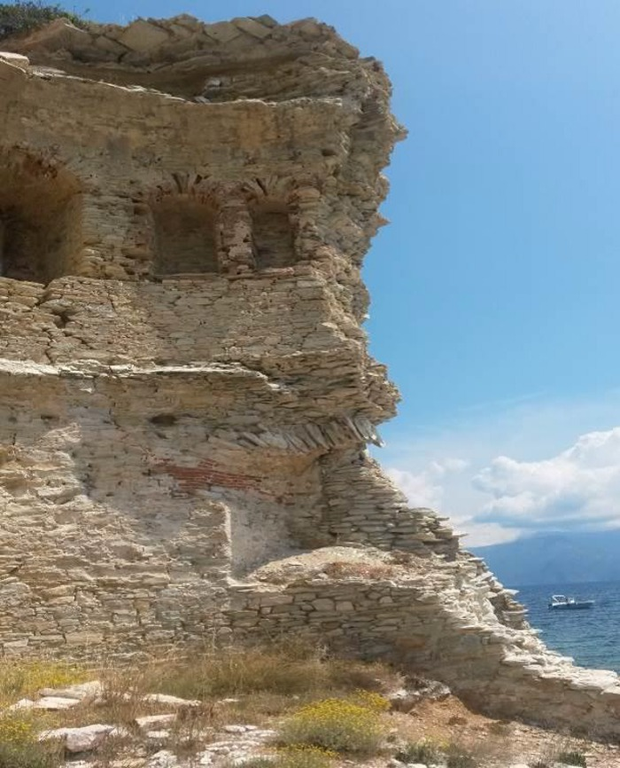 Journées du patrimoine 2019 - Les vestiges du patrimoine bâti dans « l'Agriate », témoignent de l'histoire des hommes, dans le bassin méditerranéen à travers le temps.