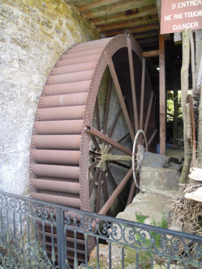 Journées du patrimoine 2019 - Visite du moulin - Démonstration scie à ruban et fabrication huile de noix