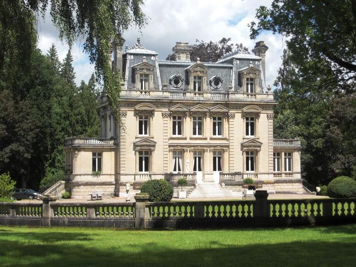 Journées du patrimoine 2020 - Véhicules anciens au château de Canaples