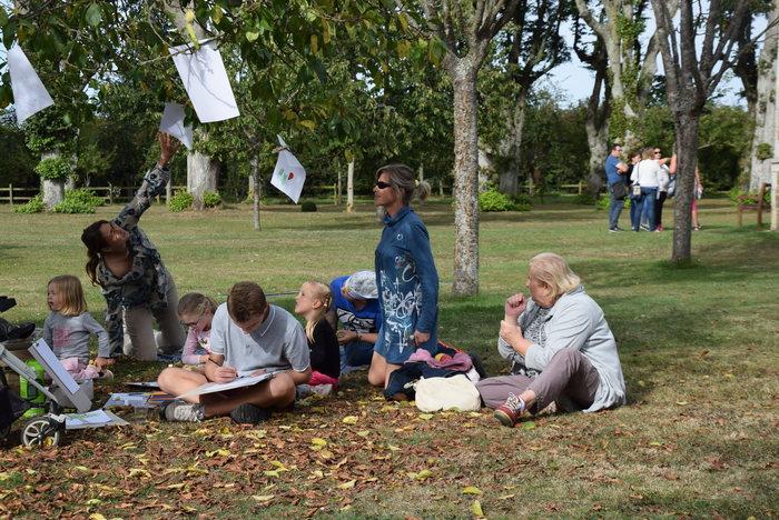 Journées du patrimoine 2020 - Atelier dessin ou découverte privilégiant un regard artistique sur le parc et sur la beauté des lieux pour les enfants, petits et grands