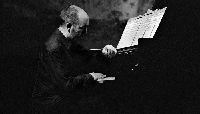Dans le cadre de la semaine du son consacrée au travail du compositeur Tom Johnson.  Samuel Boré : piano
