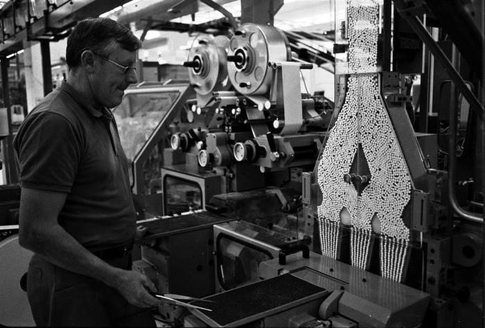 Journées du patrimoine 2020 - « Au contact de la machine, le regard d'Hélène Cayeux »  Exposition du Centre d'Histoire du Travail, Nantes