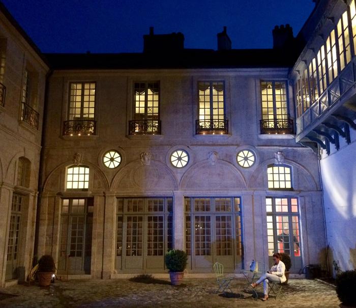 Nuit des musées 2019 -Cols, manches, coiffes et chapeaux au cœur des collections