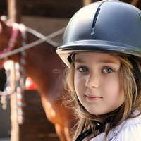 Viens découvrir l'équitation tout en profitant pleinement des activités de bord de mer, dans le respect de l'environnement et du bien-être animal.