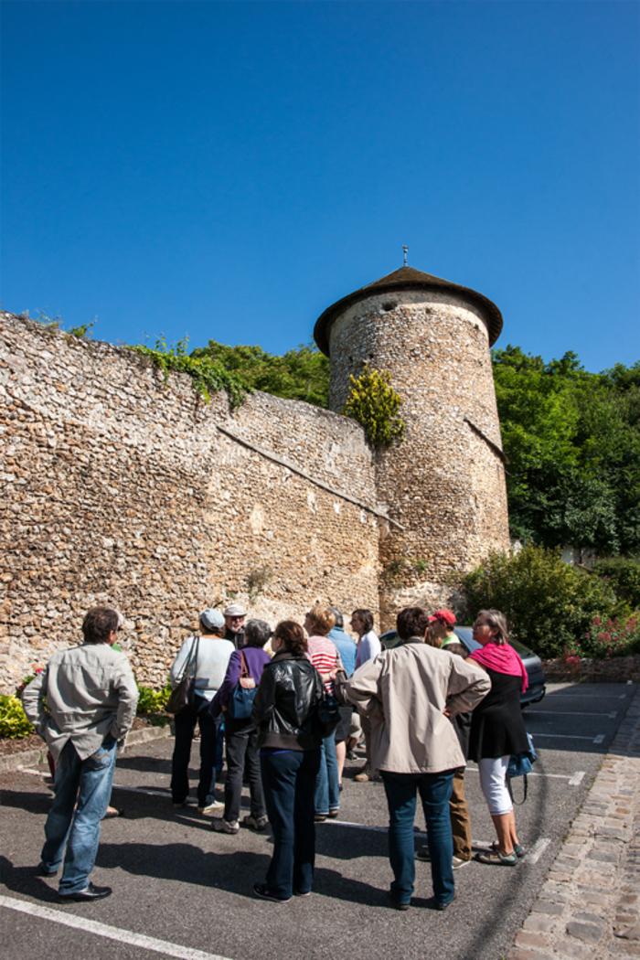 Journées du patrimoine 2019 - Visite guidée de l'église, du bourg castral et des remparts