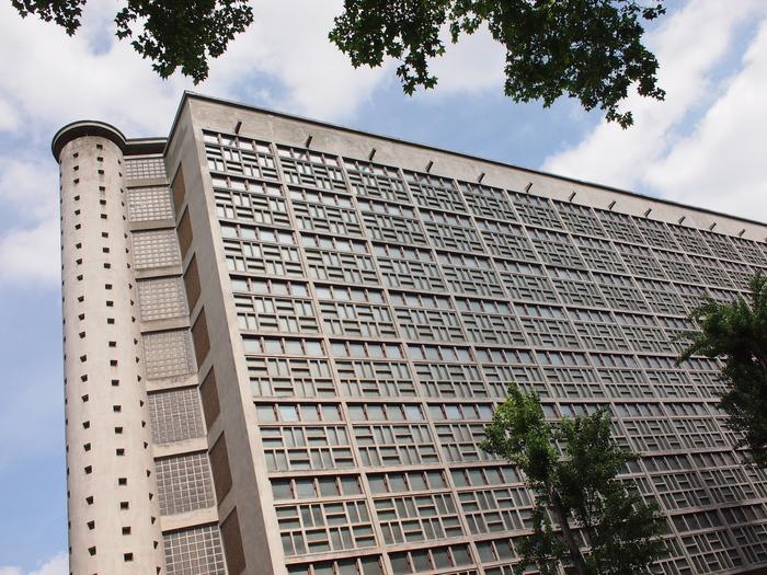 Conférence et visite sur l'architecture du bâtiment des Archives départementales.
