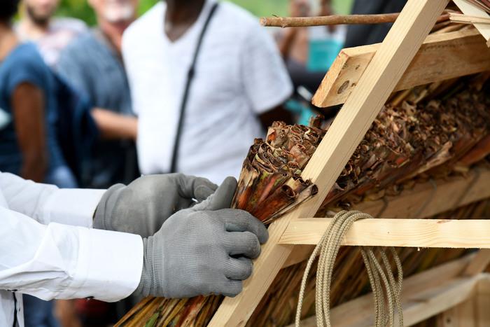 Journées du patrimoine 2019 - Les Anses-d'Arlet / Habitation La Sucrerie / Démonstration de tressage bois et de paille de canne