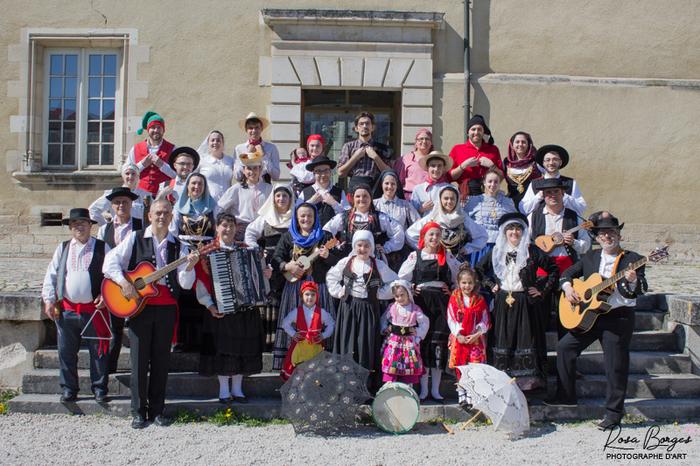 Journées du patrimoine 2019 - Danses folkloriques portugaises dans la Salle des Fêtes de l'Hôtel de Ville