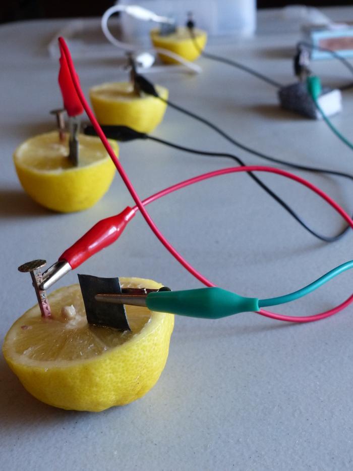 Journées du patrimoine 2020 - Atelier électrique : Allumer une led sans pile ?