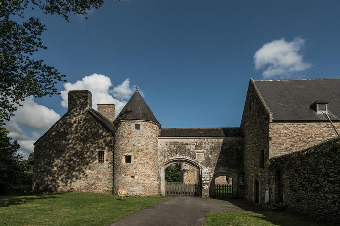 Journées du patrimoine 2020 - Visite libre du château et de son musée du village des années 30