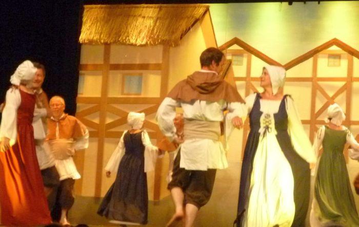 Journées du patrimoine 2019 - Musiques et  Danses traditionnelles du Dauphiné avec un groupe folklorique en costumes