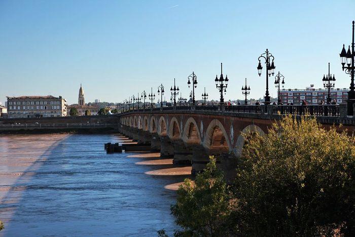 Histoire de l'eau à Bordeaux avec Terre & Océan