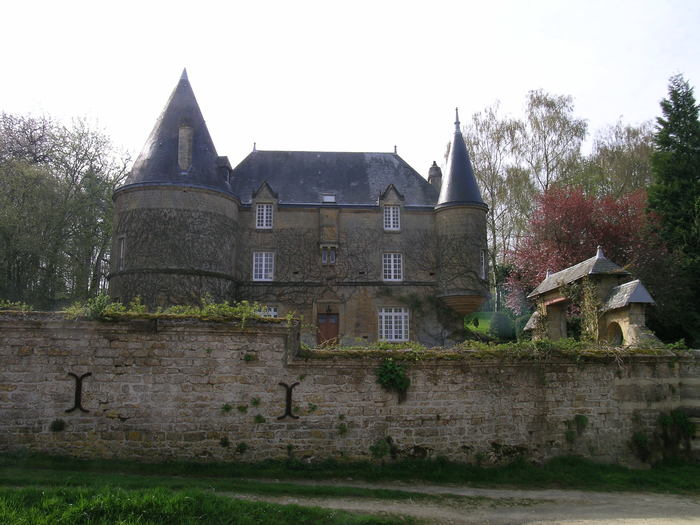 Journées du patrimoine 2019 - Visite extérieure du château de Remilly-les-Pothées
