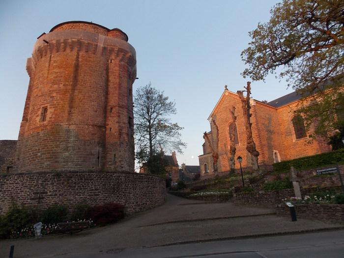 Journées du patrimoine 2020 - Visites guidées de la ville / Montfort-sur-Meu
