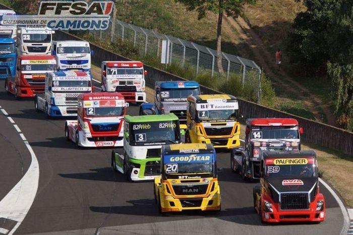 """Pour la cinquième année consécutive le Circuit d'Albi a le plaisir d'accueillir le Championnat de France Camions pour ce 5ème """"Grand Prix Camions d'Albi""""."""