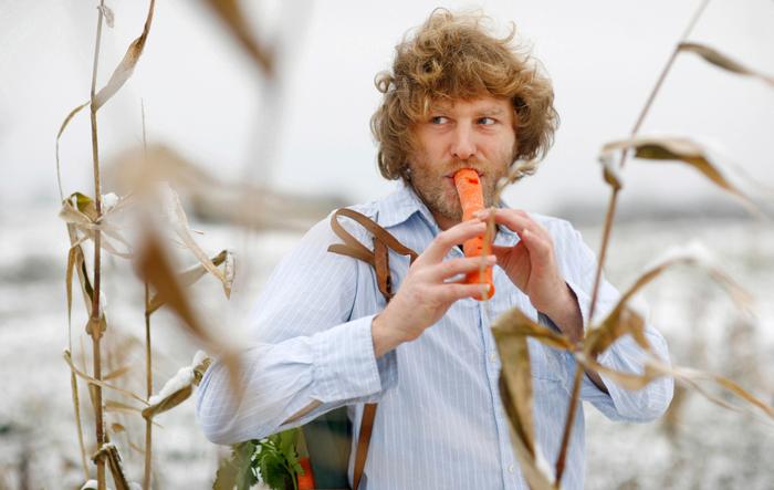 La carotte quantique, concert de lutherie sur fruits et légumes frais, avec Eric Van Osselaer